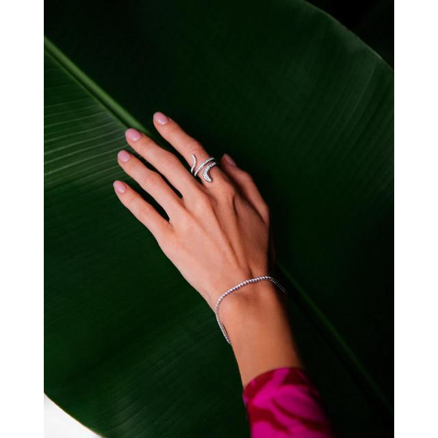 Магнетическая коллекция Eden от бренда Damiani — это гармония золота и бриллиантов, что заставляет сердце биться чаще. ⠀ #NOBLESSE #NoblesseKiev #Damiani #DamianiEden #Eden